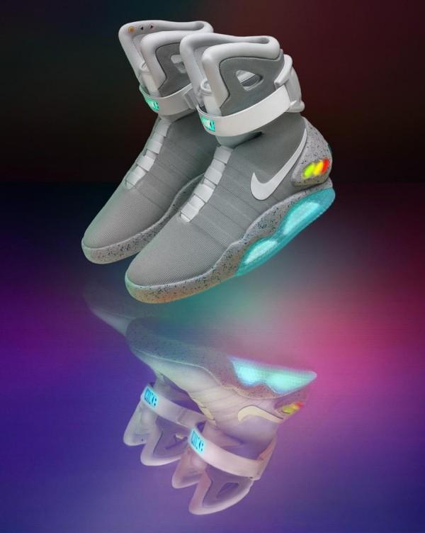 Die Schnürsenkel der Nike Adapt Huarache werden durch Siri angepasst nike mag sneakers back to the future 2