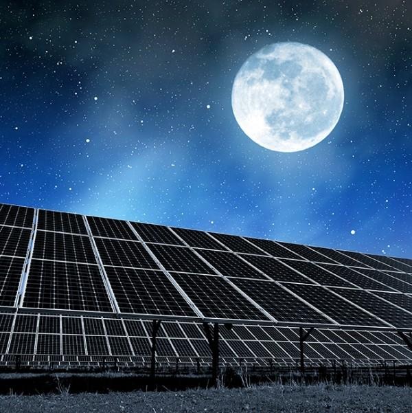 Energie vom Nachthimmel – Solarzellen auf den Kopf gestellt solarenergie bei nacht strom im dunkeln
