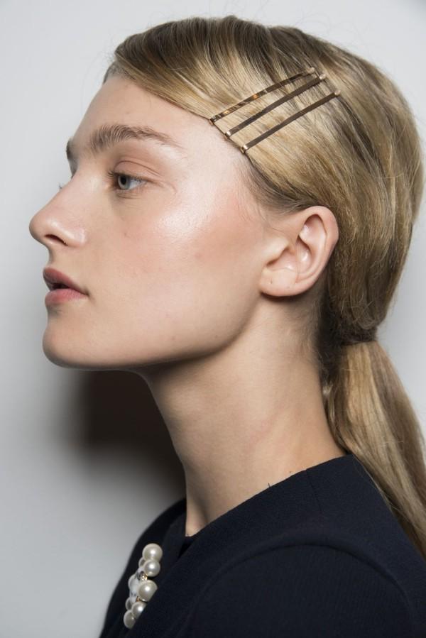 Frisuren Damen seitlicher schmuck