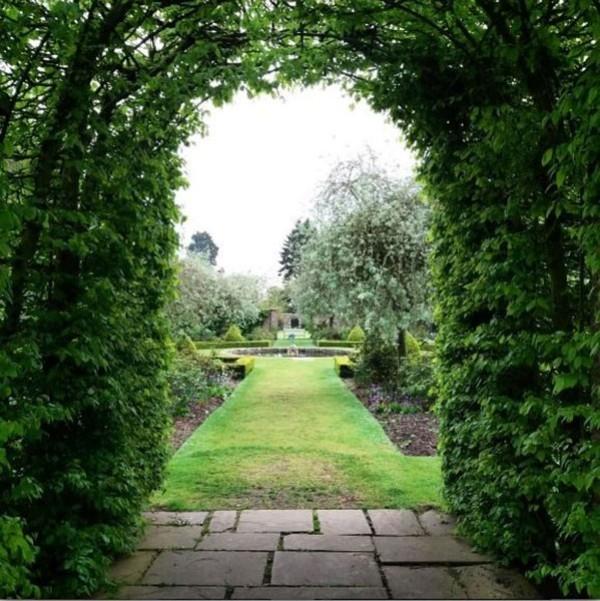 Garten im Schloss Caspar Jopling und Ellie Goulding