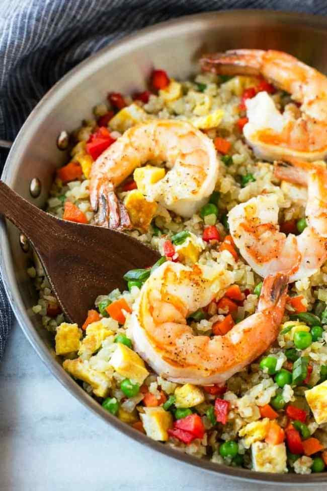 Gesunde, schnelle und einfache Low Carb Rezepte garnelen mit blumenkohl reis und gemüse