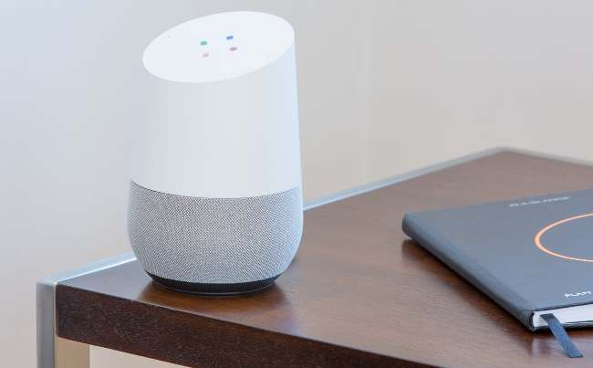 Google Home vs. Amazon Echo Welcher Sprachassistent ist besser google home assistent weiß