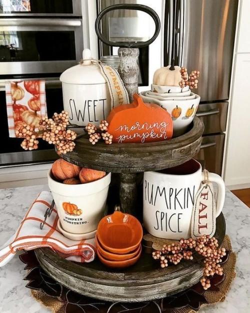 Herbstdeko in der Küche Holzständer alles Notwendige für Kürbisse backen