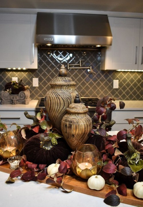 Herbstdeko in der Küche viel freier Platz Kücheninsel