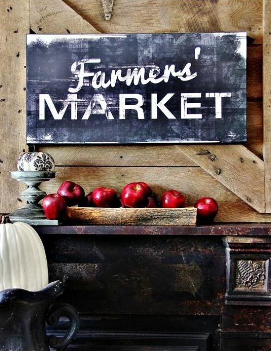 Holzschilder heißen den Herbst willkommen Herbstdeko im rustikalen Stil zu Hause Holzschild rote Äpfel