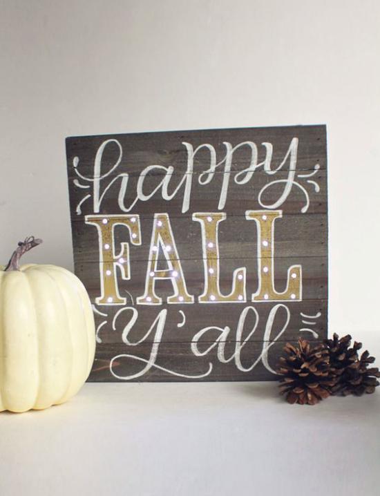 Holzschilder heißen den Herbst willkommen einfaches Holzschild nette Beschriftung Kürbisse