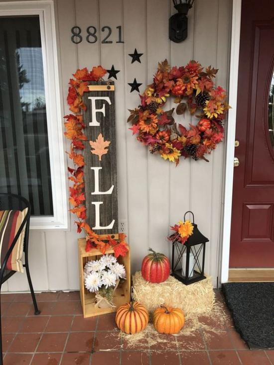 Holzschilder heißen den Herbst willkommen schöne Deko draußen vor der Haustür echter Hingucker