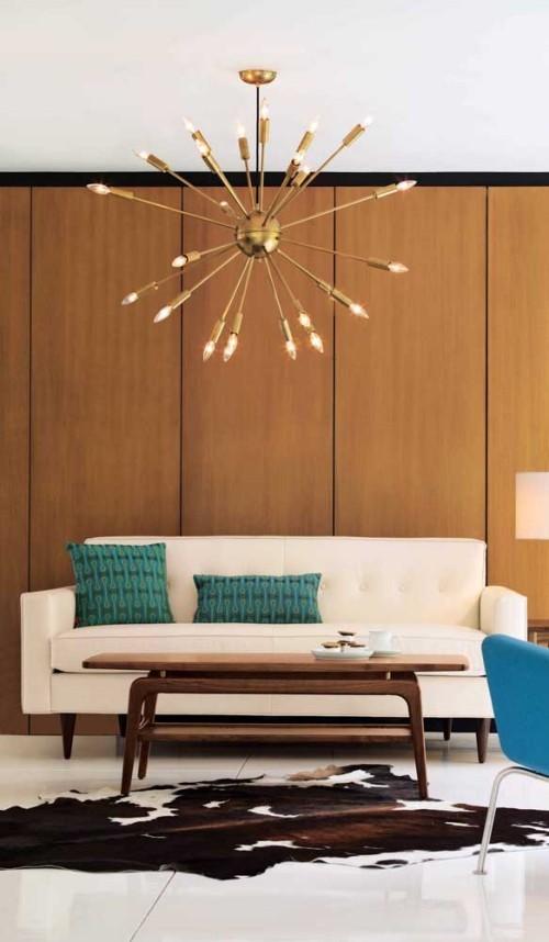 Inneneinrichtung - weißes Sofa mit grünen Kissen