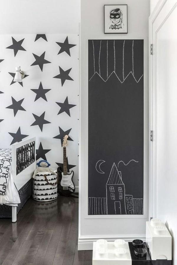 Kinderzimmer Etagenbett Tafelfarbe Wandgestaltung Sterne Muster Tafelfolie