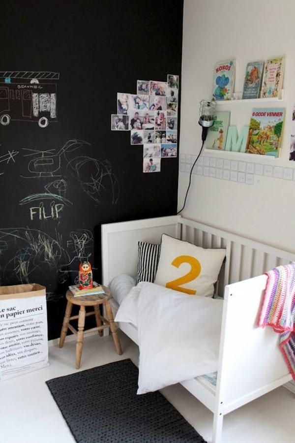 Kreidetafel Kinderbett Hocker Tafelfarbe kreative Wandgestaltung
