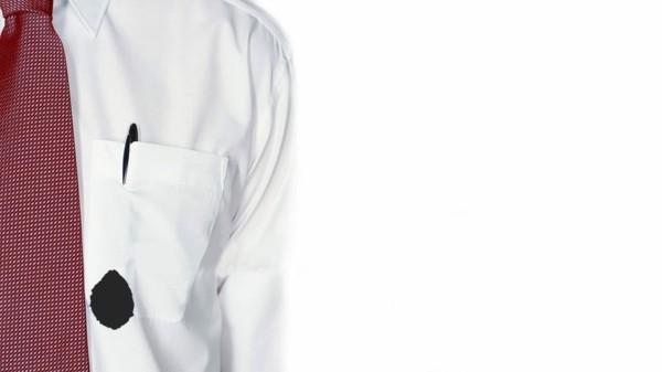 Kugelschreiber Flecken entfernen weißer Hemd Tintenfleck