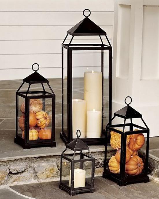Laternen tolle Herbstdeko mit Laternen verschiedene Größen befüllt mit kleinen Kürbissen weiße Kerzen den Außenbereich dekorieren
