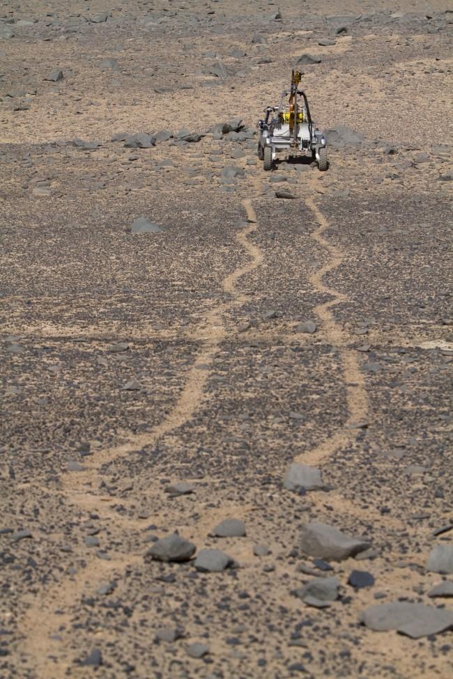 NASA entwickelt autonome Bohrer, um nach Leben unter der Marsoberfläche zu suchen arads rover test