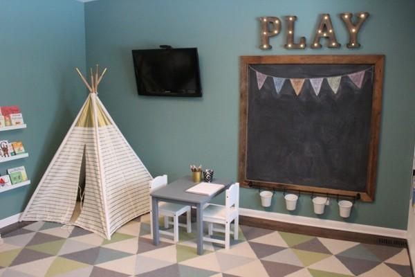 Tafelfarbe Kinderzimmer Wanddeko Ideen schwarze Kreidetafel Holzrahmen