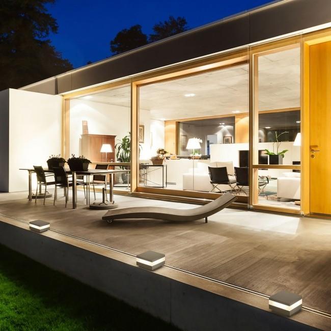 Terrasse und Balkon neu gestalten LED-Beleuchtungsideen für den Außenbereich veranda dekorieren viel licht