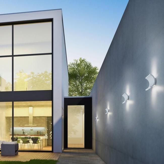 Terrasse und Balkon neu gestalten LED-Beleuchtungsideen für den Außenbereich wandleuchten weißes licht modern