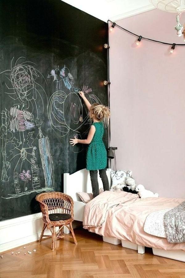 Wände streichen Kinderzimmer Mädchen Akzentwand Kreidetafel Tafelfarbe