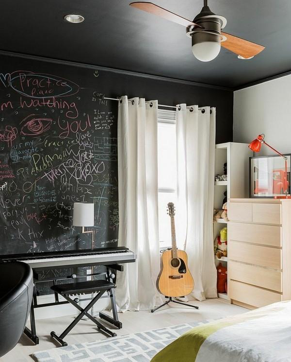 Wände streichen Jugendzimmer Musikinstrumente Kreidetafel Tafelfarbe