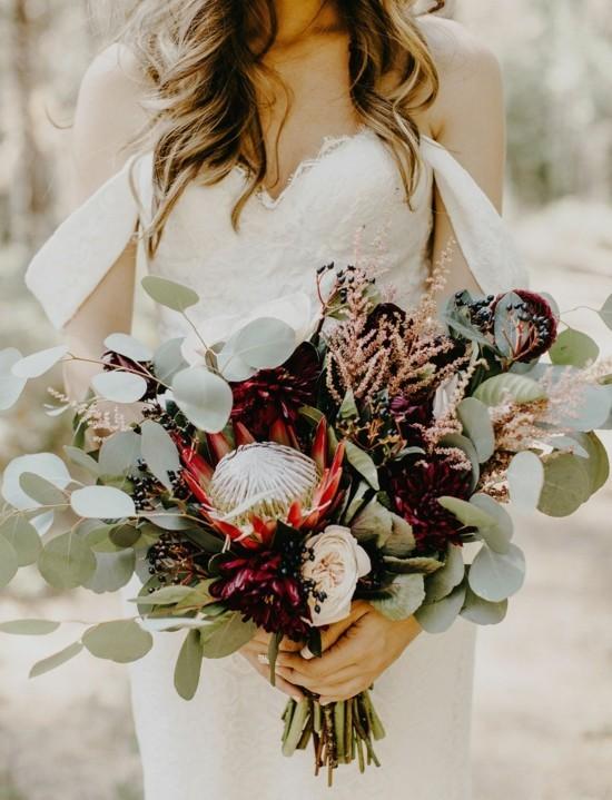 boho brautstrauß herbst mit protea und eukalyptus