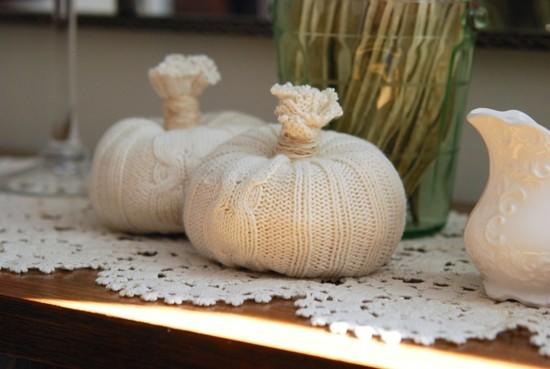 einfache kürbisse aus pulli herbstdeko selber machen