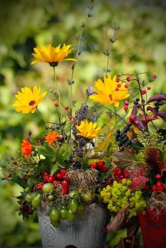 herbstblumen herbstgestecke idee als tischdeko