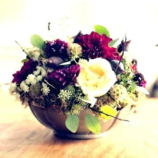 herbstgestecke hochzeit tischdeko mit herbstblumen