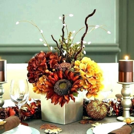 herbstgestecke tischdeko ideen hortensien