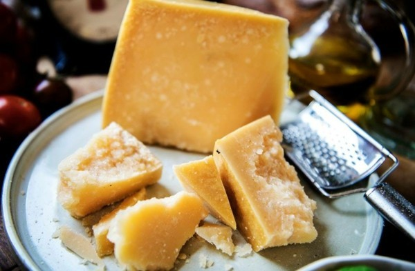 käse und milch tryptophan lebensmittel
