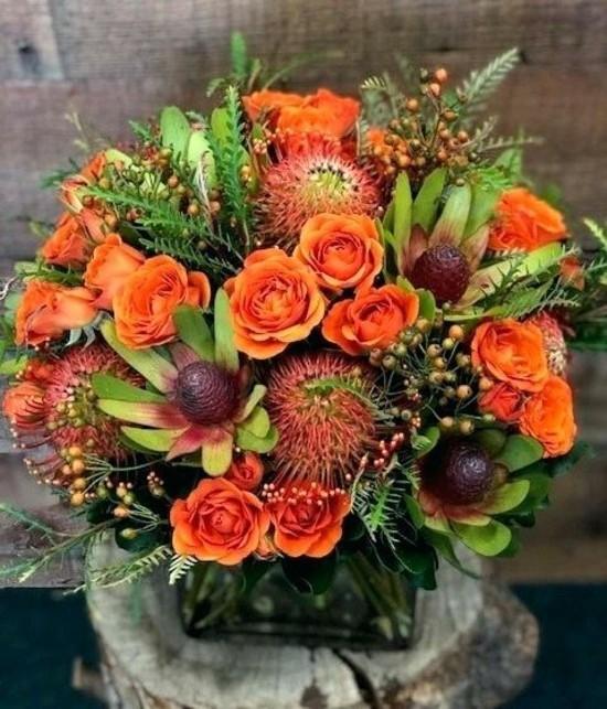 orange rosen herbstgestecke ideen