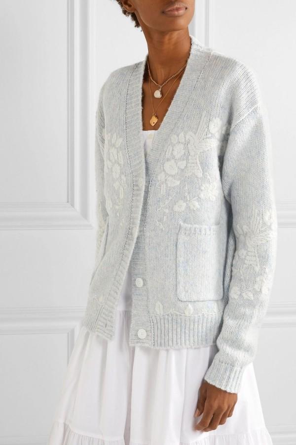 strickjacke in weiß und grau
