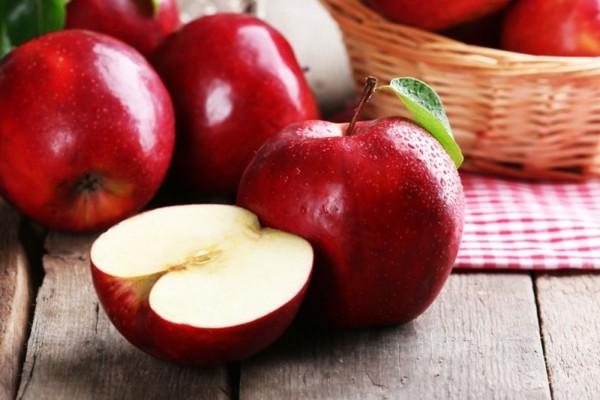 Apfelallergie Symptome Apfelsorten Äpfel rot halbiert