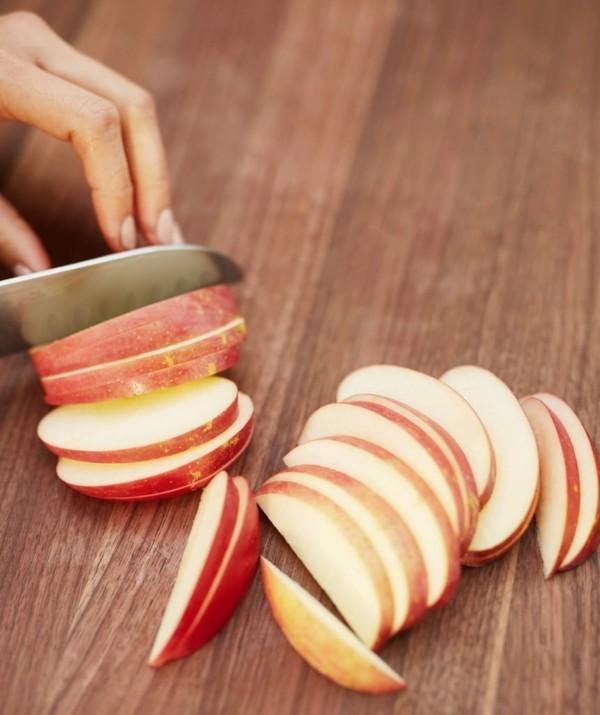 Apfelallergie Symptome Apfelsorten rote Äpfel Apfel schneiden Scheiben