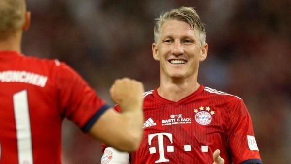 Bastian Schweinsteiger beendet seine Profi-Karriere bester Mittelfeldspieler verabschiedet sich von den Fans