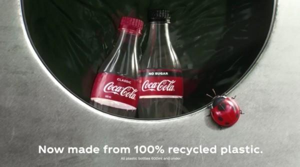 Coca-Cola produziert erste Flasche aus recyceltem Kunststoffabfall recyclen nicht wegwerfen