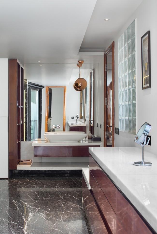Einzigartiges Hausdesign Cleft House Indien Neu-Delhi modernes Badezimmer stilvoll und individuell gestaltet