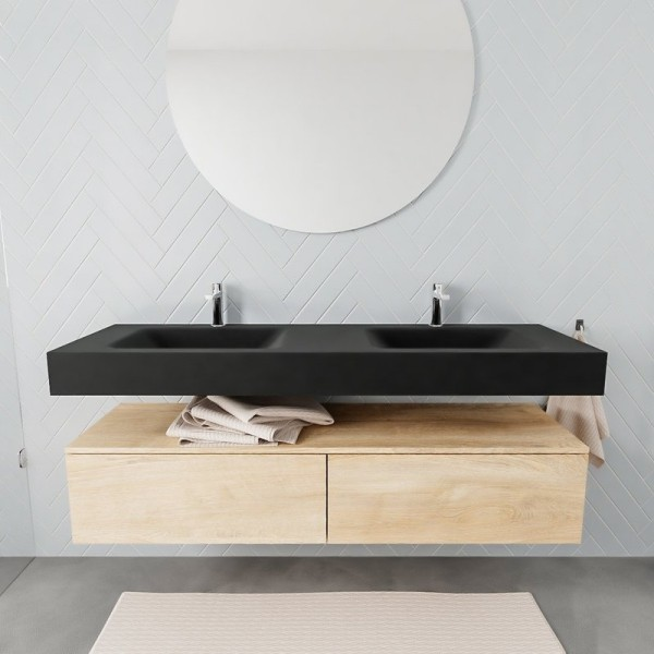 Freihängender Waschtisch mit Unterschrank für ein stilvolles Badezimmer zwei waschbäcken für großes bad