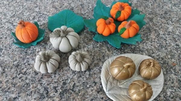 Gold, Orange udn Weiß - Halloween Kürbis