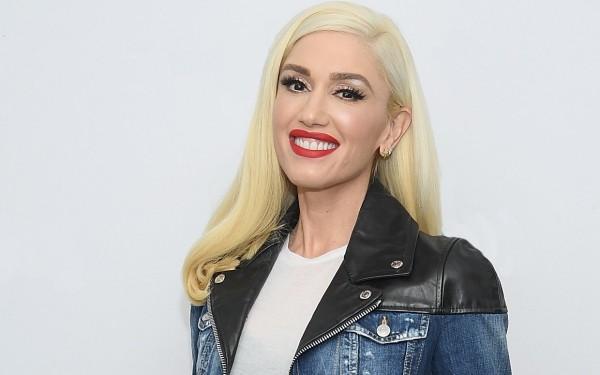 Gwen Stefani am 3. Oktober 50 Jahre alt ihr knallroter Kussmund Markenzeichen