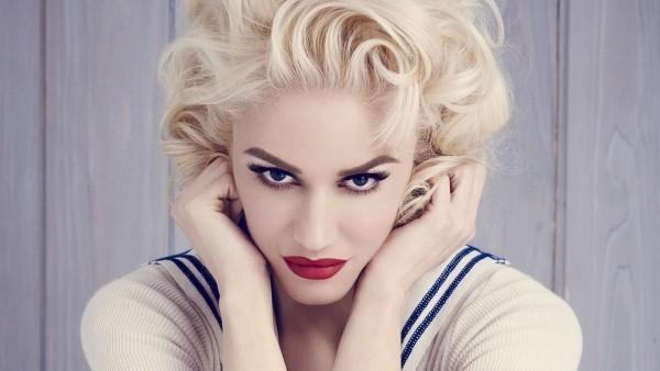 Gwen Stefani am 3. Oktober 50 Jahre alt mädchenhaft und perfekt gestylt