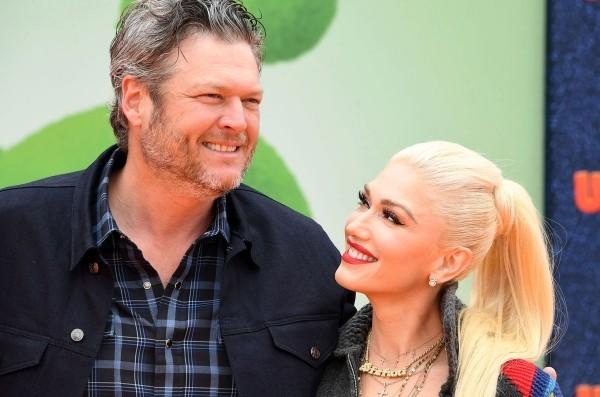 Gwen Stefani am 3. Oktober 50 Jahre alt mit Blake Shelton zusammen im Leben und auf der Bühne