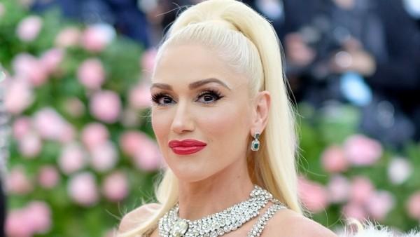 Gwen Stefani am 3. Oktober 50 Jahre alt weißblonde Mähne ihr zweites Markenzeichen
