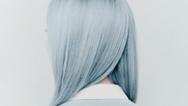 Haare grau färben - Blau und Grau