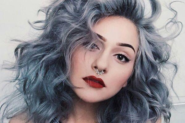 Haare grau färben - Idee mit Locken