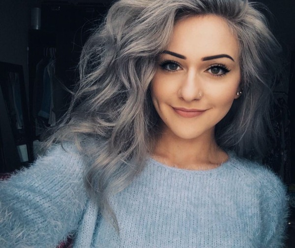 Haare grau färben - alltag Look