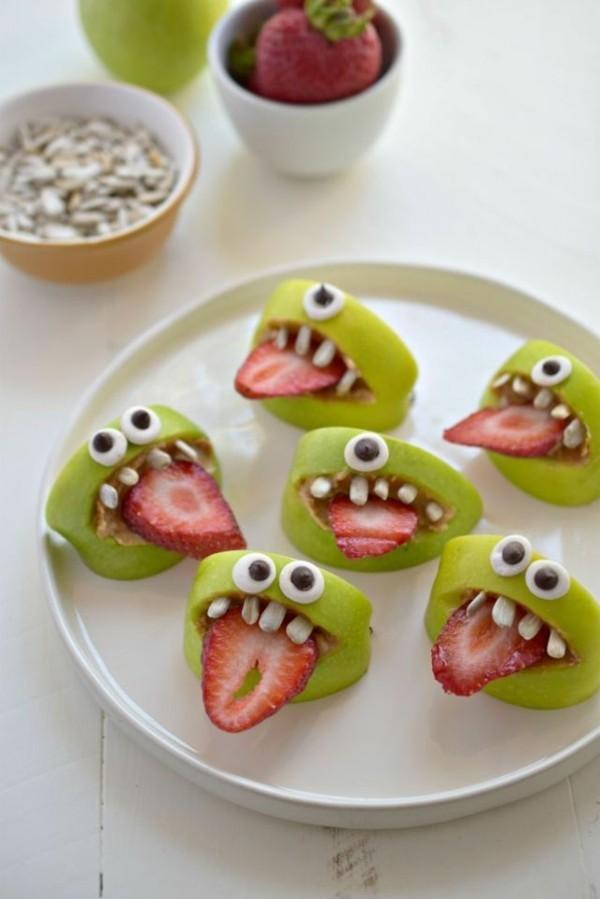 Halloween Essen Kinder gesunde Snacks Fingerfood kalt Erdbeeren Apfel Monster