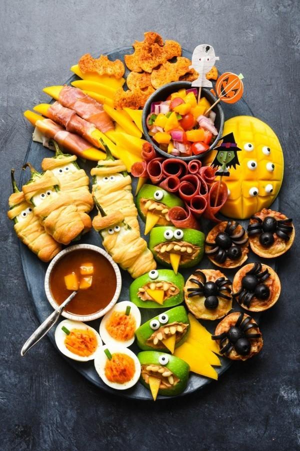 Halloween Essen Kinder gesunde Snacks Fingerfood kalt Party Buffet