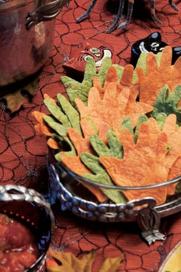 Halloween Essen Kinder gesunde Snacks Fingerfood kalt handabdruck