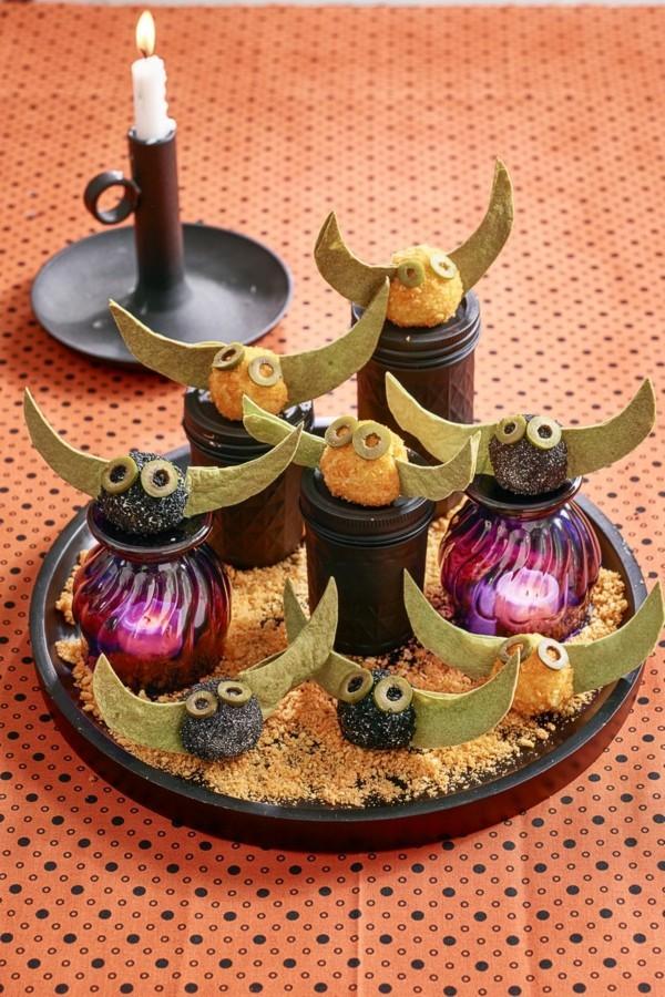 Halloween Essen Kinder schnelle Fingerfood Rezepte Eulen Teelichter Tischdeko