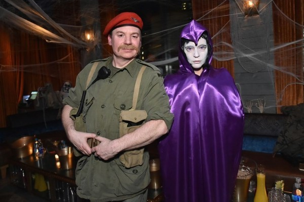 Halloween Kostüm Mike Myers und Kelly Tisdale
