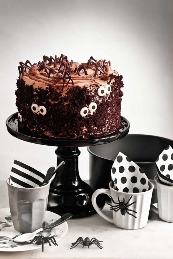 Halloween Kuchen - Geschirr in schwarz und weiß